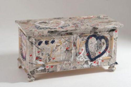 Rivestire i mobili l arte di innovare risparmiando - Recupero mobili vecchi ...