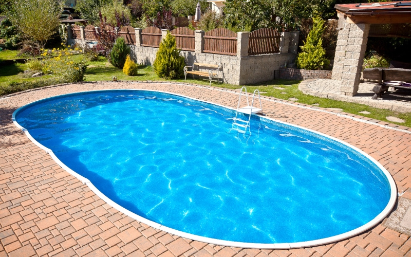 Costruire una piscina interrata in 5 semplici passaggi - Costo di una piscina interrata ...