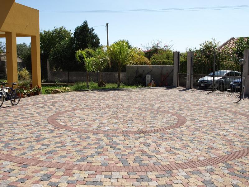Come installare una pavimentazione autobloccante per esterni