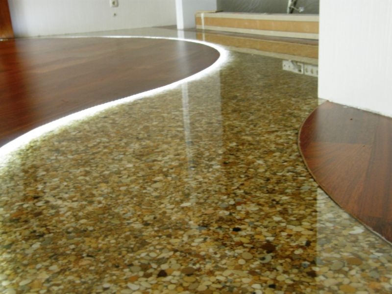 Suggerimenti e idee per pavimenti - Resina pavimento esterno ...